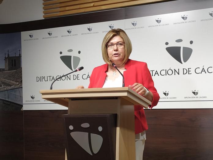 La Diputación de Cáceres rinde homenaje a Rosario Cordero