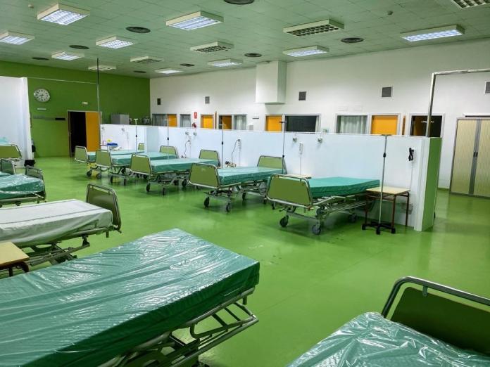 Récord de ingresados en UCI en Extremadura, con 99 personas hospitalizadas
