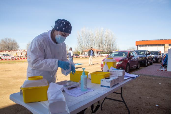 Extremadura registra 84 contagios y cuenta con 242 personas ingresadas
