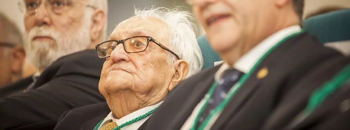 Fallece por Covid José Corbacho, presidente de honor del Colegio de Veterinarios de Cáceres