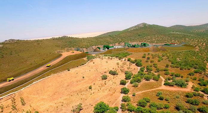 El Ayuntamiento de Cáceres reitera que no puede saltarse la ley con respecto a los permisos de la mina