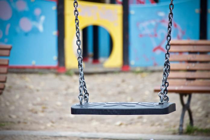 Cáceres reabre los parques infantiles