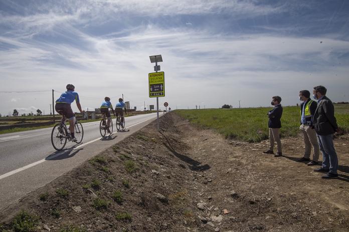 Un nuevo sistema de detección de ciclistas en la carretera entre Cáceres y Casar de Cáceres