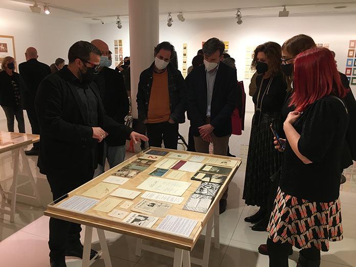 La Sala El Brocense acoge una exposición en homenaje al escritor Julián Rodríguez