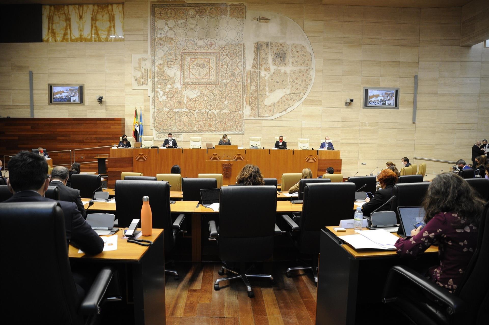 El pacto por la ciencia en Extremadura quiere llegar al 2% de inversión en 10 años
