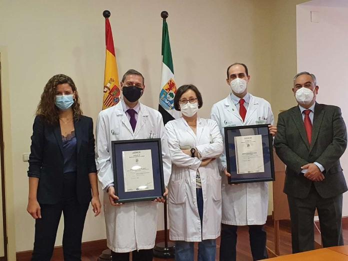 Dos certificados ISO para la unidad de Nutrición y Farmacia del Hospital Universitario de Badajoz