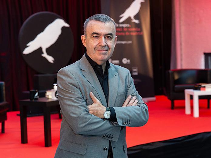 Lorenzo Silva participa en un encuentro literario en Cáceres