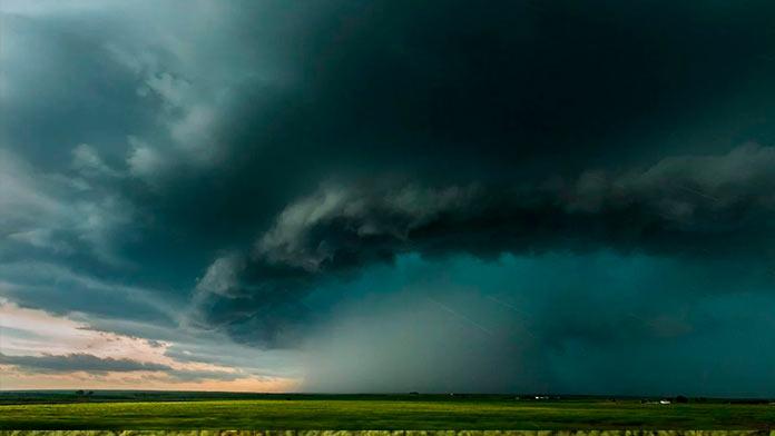 El 112 de Extremadura amplía la alerta amarilla por tormentas en el norte de Cáceres