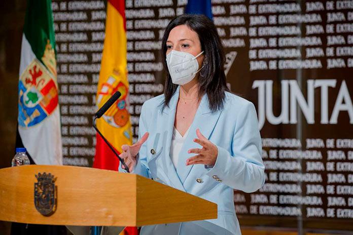 Extremadura reducirá la distancia interpersonal en las aulas para el próximo curso