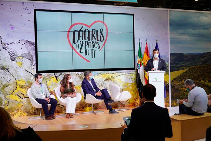 Cáceres muestra sus encantos en Fitur 2021