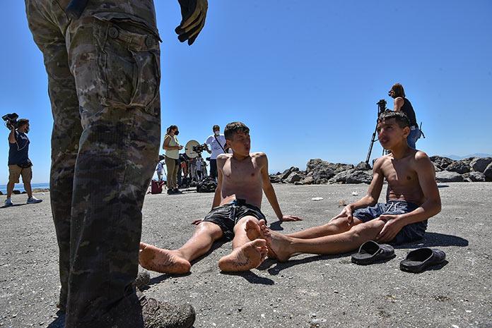 Extremadura acogerá a niños migrantes que han llegados solos a Ceuta