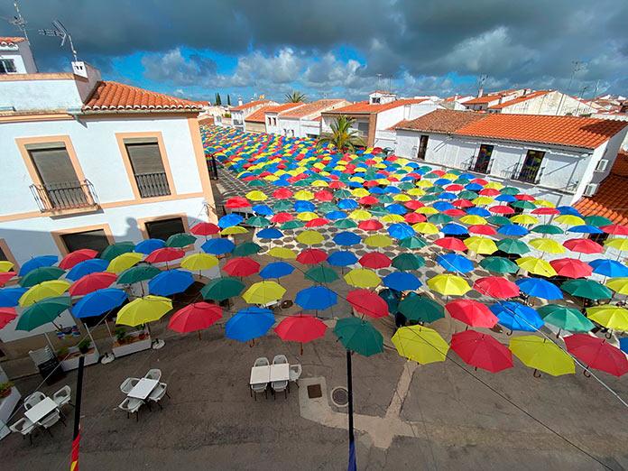 Los paraguas de colores Malpartida de Cáceres