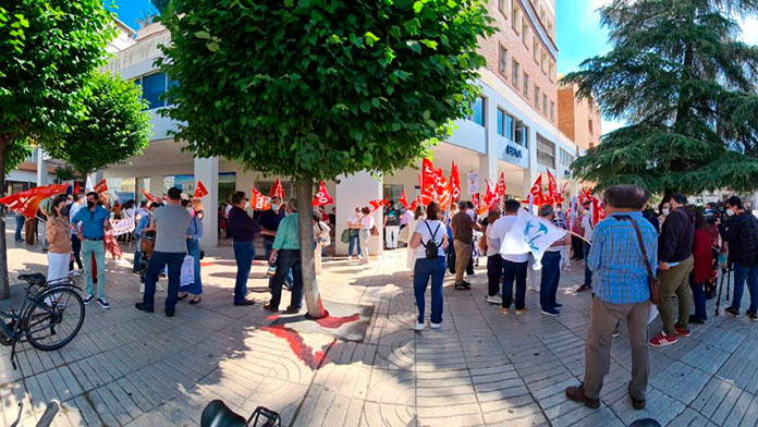 CCOO y UGT afirman que Correos recorta más de un 65% en contratación de plantilla de Badajoz