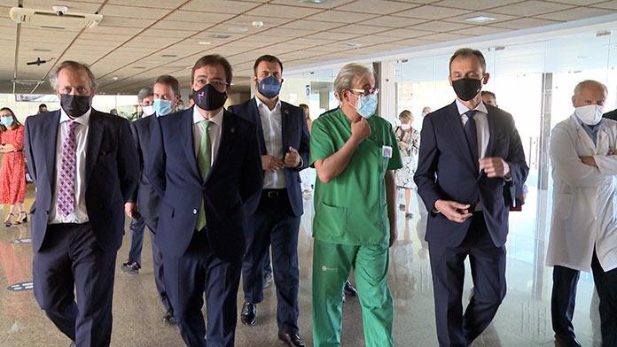 El Ministro de Ciencia, Pedro Duque, visita el Centro de Cirugía Mínima Invasión de Cáceres
