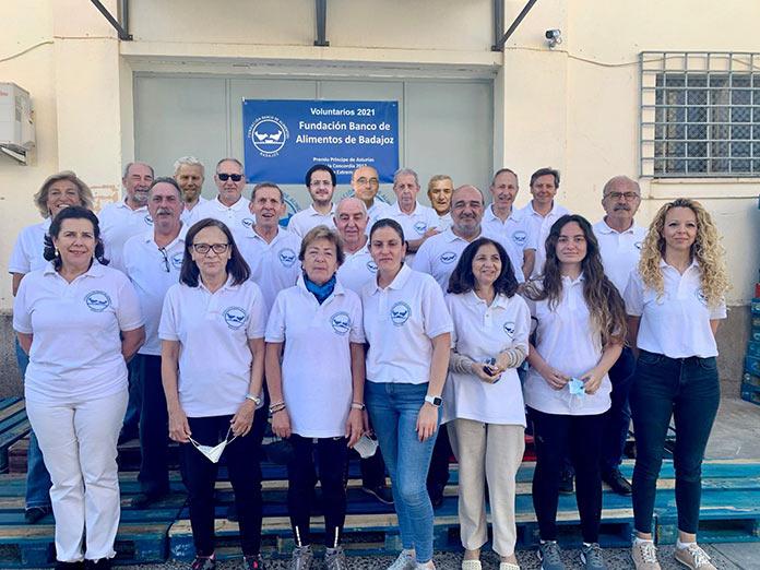 Comienza la campaña de recogida de alimentos en los supermercados Carrefour de la provincia de Badajoz