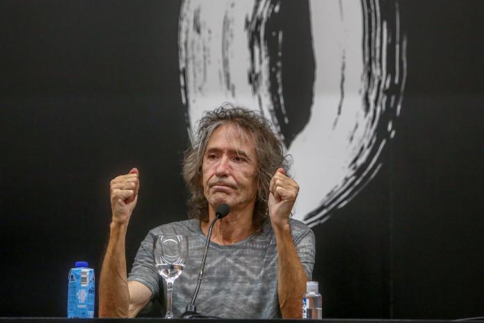 El cantante de Extremoduro Robe en una rueda de prensa