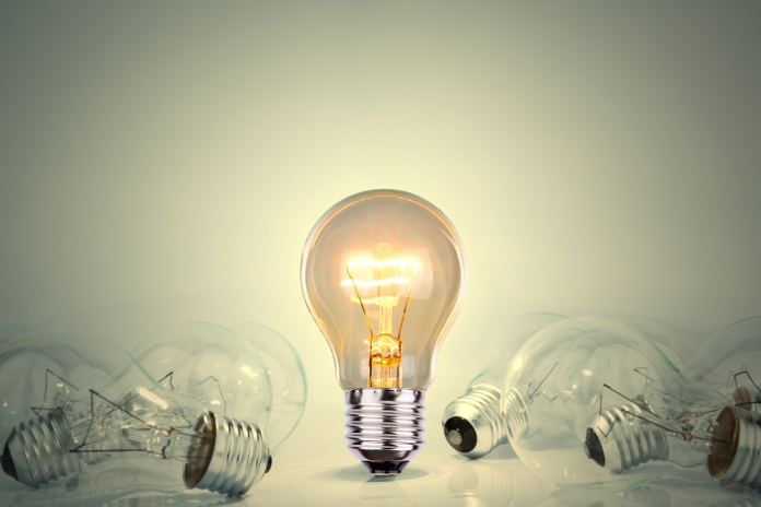 El precio de la luz toca un nuevo máximo con 106,74 euros el megavatio hora