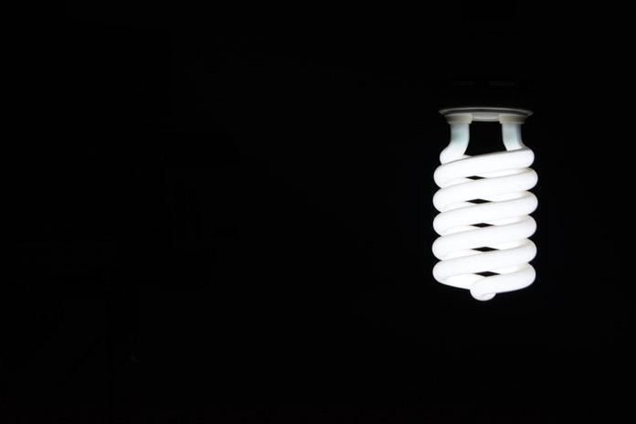 Nuevo récord del precio de la luz, que supera los 130 euros