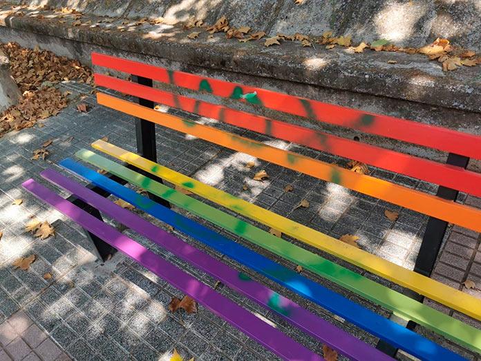 El Paseo de la Diversidad aparece con pintadas de Vox