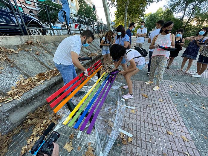Las banderas LGTBI vuelven a brillar en el Paseo de la Diversidad de Cáceres