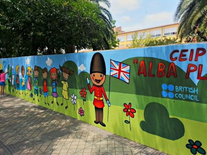 Las hermanas del Alba Plata regresan al colegio con mascarilla