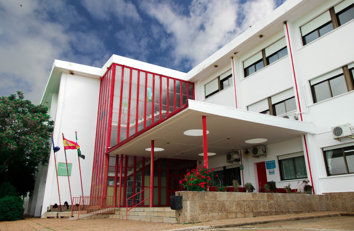 El IES Puente Ajuda de Olivenza y un centro de Isla Reunión trabajan para fomentar sus tradiciones