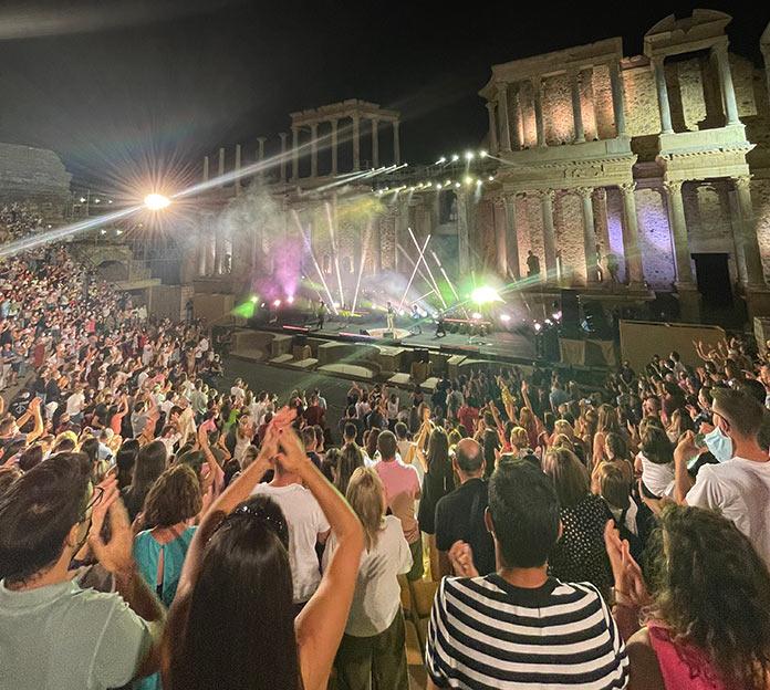 Camilo deslumbra en el Teatro Romano de Mérida