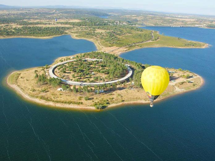Un barco turístico surcará las aguas de El Anillo