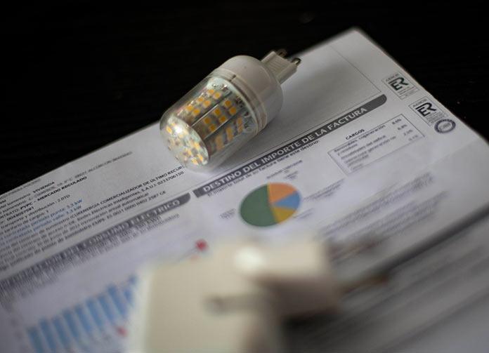 El precio de la luz marca un nuevo récord histórico con 154,16 euros por MWh