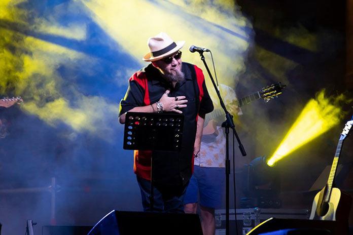 Gene García presenta su primer disco en solitario, GéneSis, en el Gran Teatro