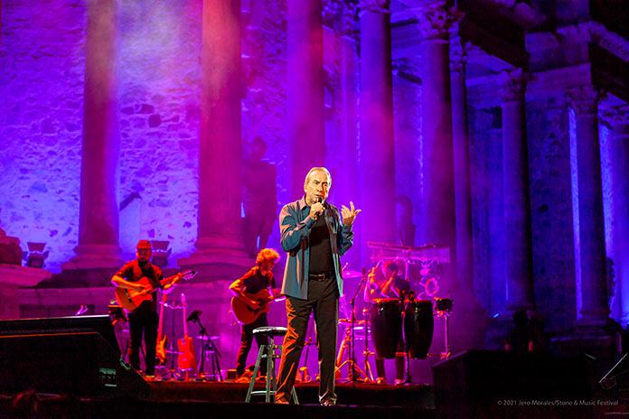 José Luis Perales rememora sus 50 años de música en el Stone&Music de Mérida