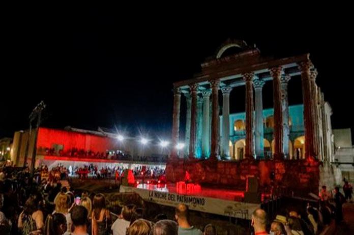 Más de 12.000 personas participan en La Noche del Patrimonio de Mérida