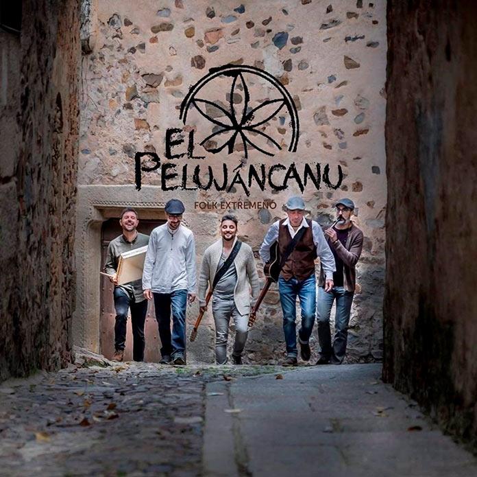El Pelujáncanu. Teatro y folk ponen el broche de oro a Estivalia 2021.