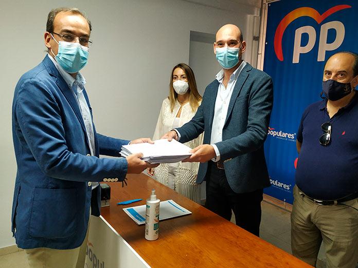 Rafael Mateos presenta su candidatura para el PP de Cáceres