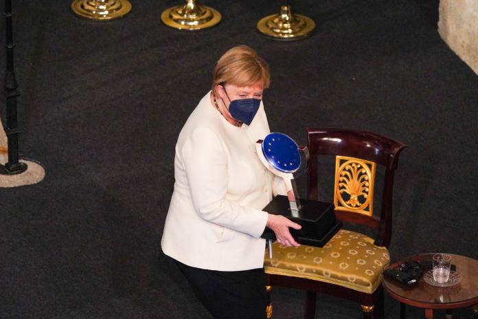 Angela Merkel defiende la unidad de Europa para impulsar sus valores democráticos