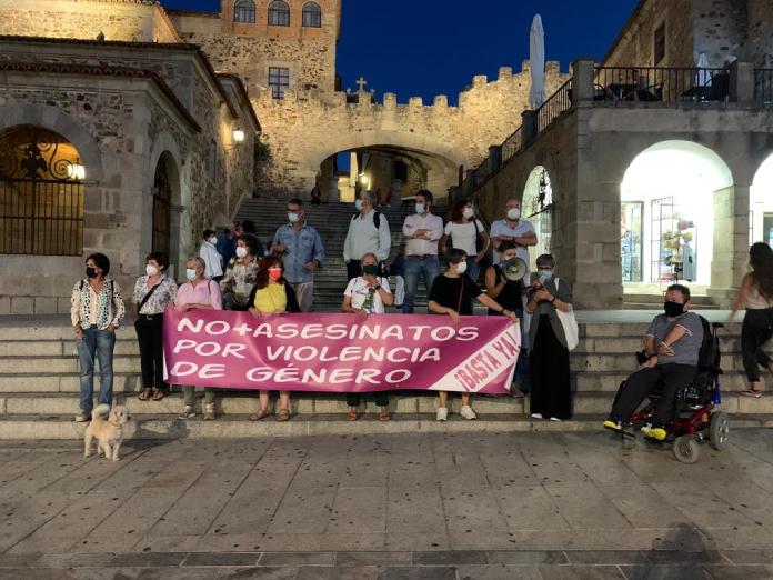 Un minuto de silencio por la última víctima de la violencia de género