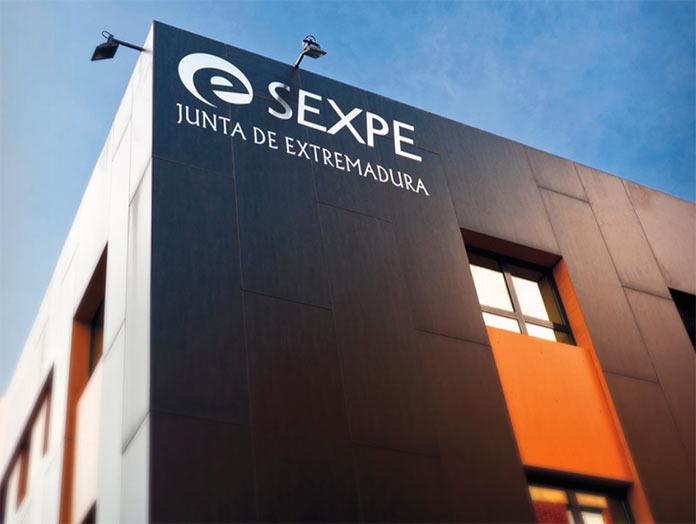 El paro baja en 381 personas en septiembre en Extremadura